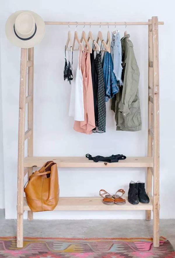 kệ treo quần áo bằng thang cũ
