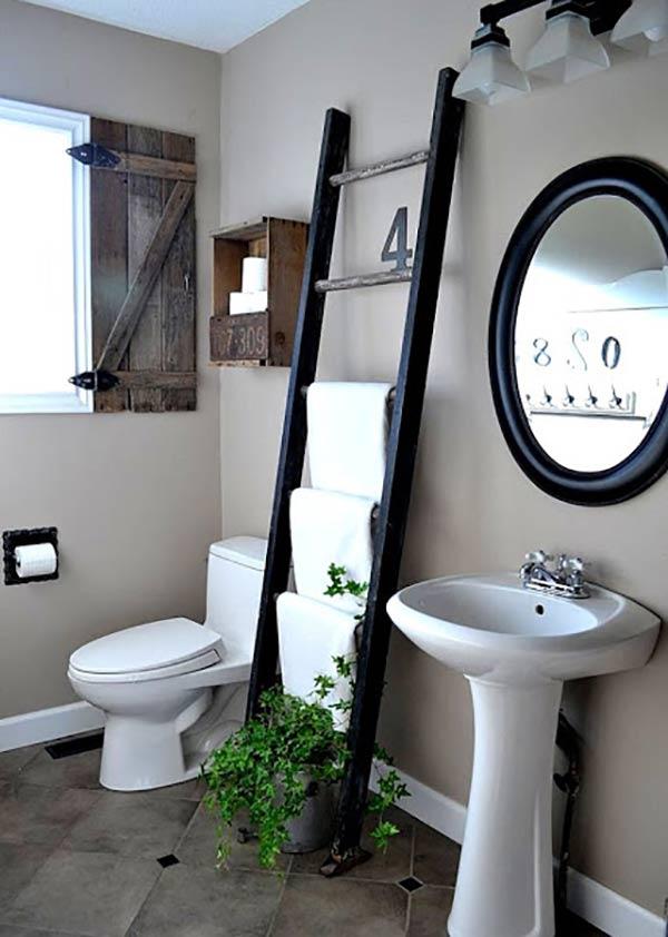 thang trong phòng tắm