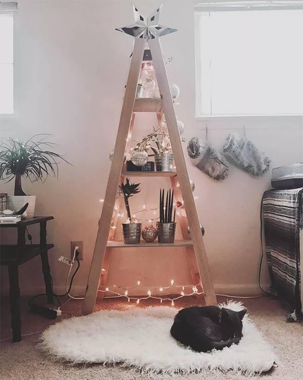trang trí thang bằng giáng sinh