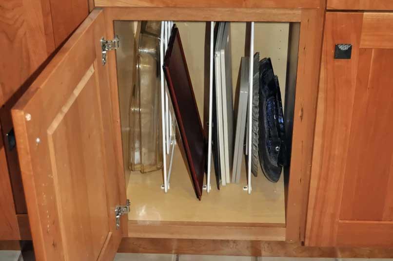 ngăn tủ bếp dọc