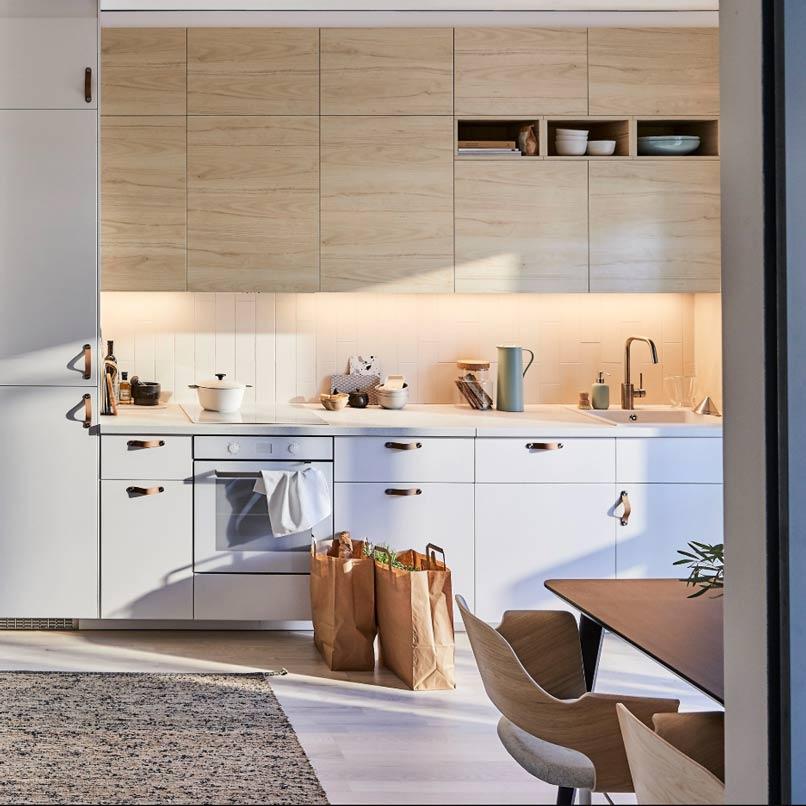 tủ bếp màu tím nhạt