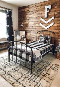 giường không được đặt đối diện cửa phòng