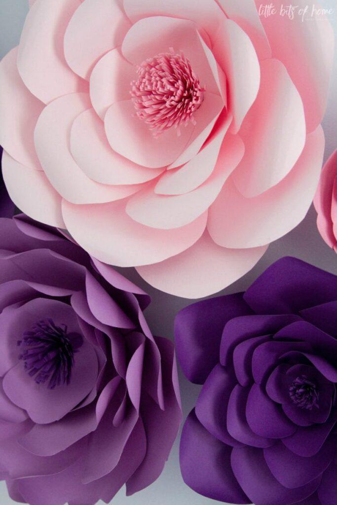 Cách làm hoa treo tường bằng giấy