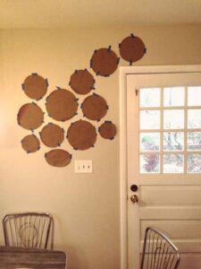 trang trí tường bằng đĩa ăn (20)