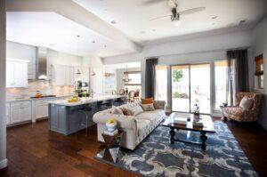 thiết kế phòng bếp và phòng khách kết hợp (8)