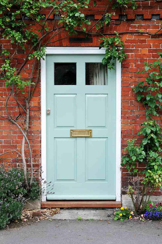 cửa chính nên mở vào trong hay ra ngoài (8)